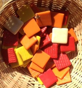Assortiment jaune orange rouge en mosaïque émaux par 250g